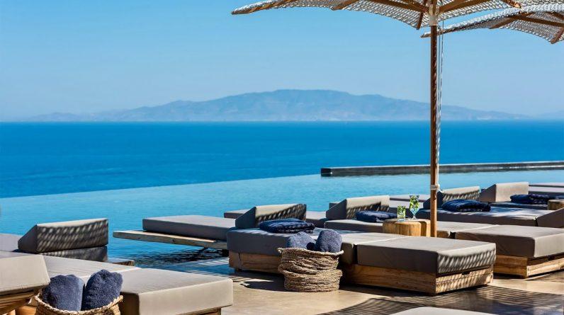 ANDRONIS ARCADIA | Santorini's newest 5-star resort (full tour in 4K)